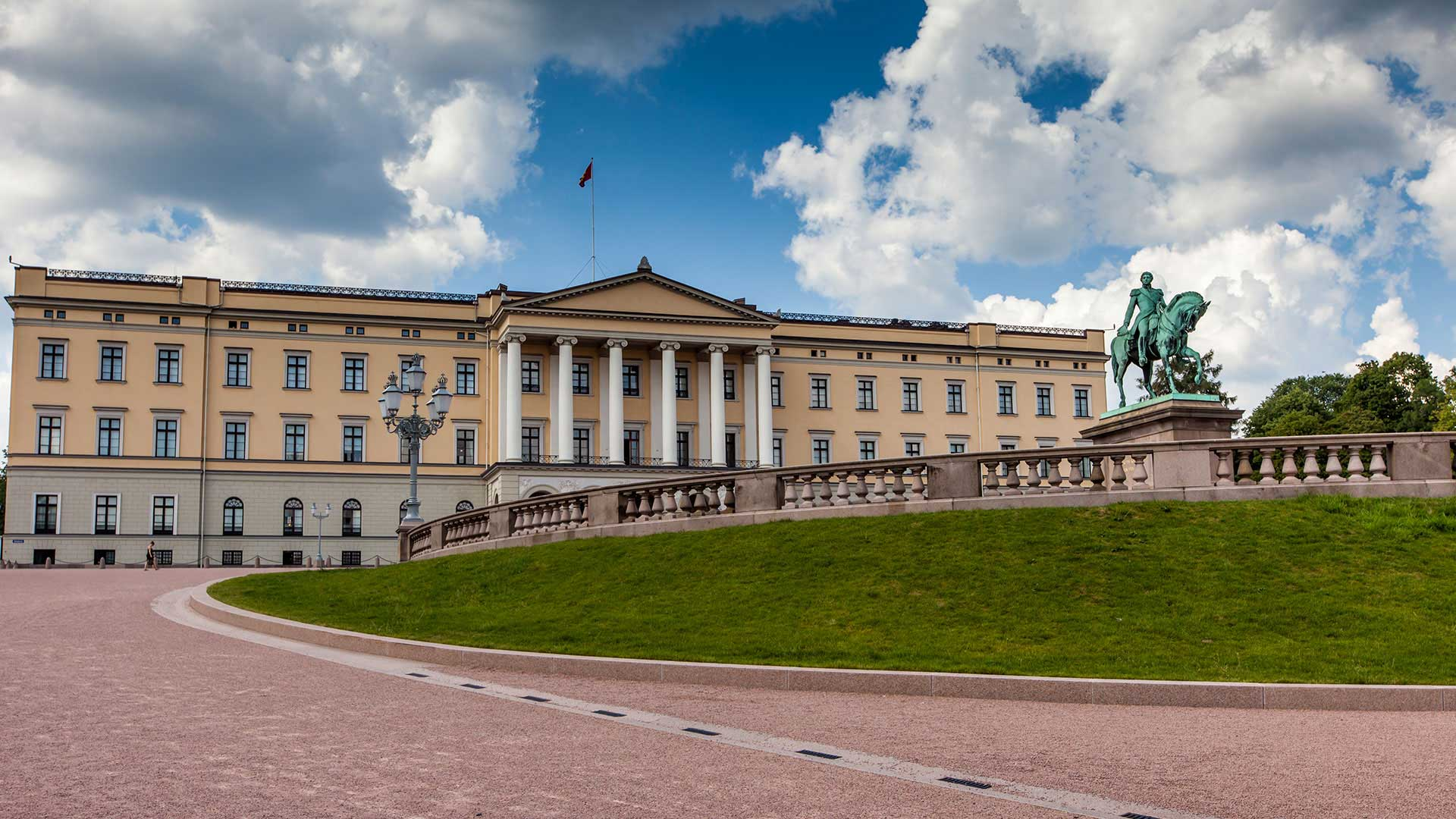 Oslo Royal Palace Norway Tours Nordic Visitor