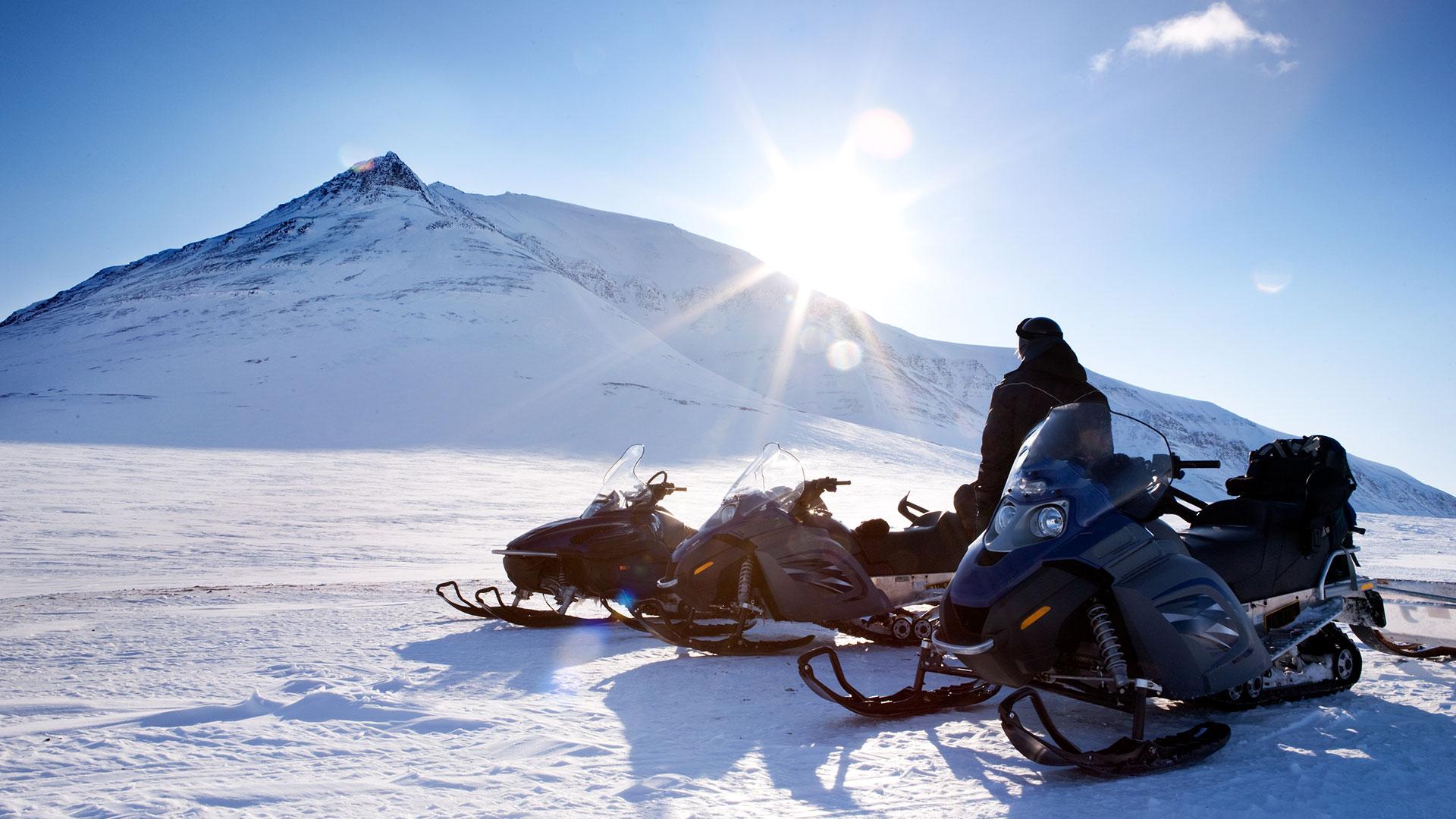 Tromso Aurora Break Huskies And Snowmobiles 4 Days 3